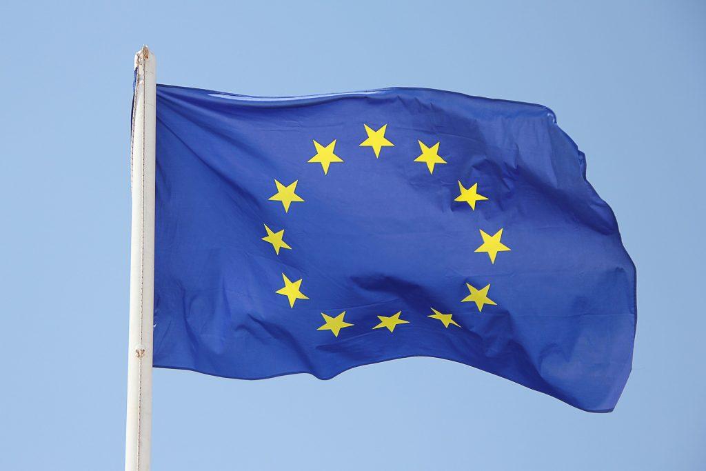 produzione energia elettrica - Bandiera europea